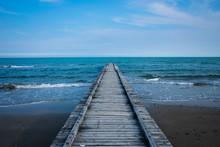 Passerella In Mare