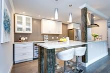 White Small Kitchen In Modern ...