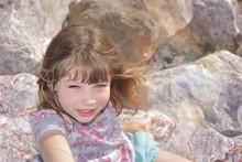 Adorable Enfant Aux Yeux Clairs