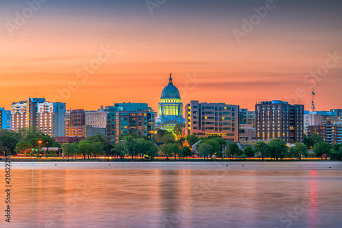 Photo sur Toile Orange eclat Madison, Wisconsin, USA Skyline