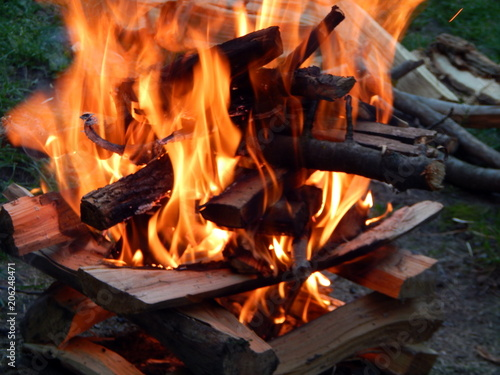 In de dag Vuur / Vlam Fire, fire burning firewood