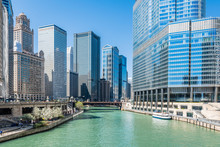Chicago River And Downtown Chicago Skyline, USA