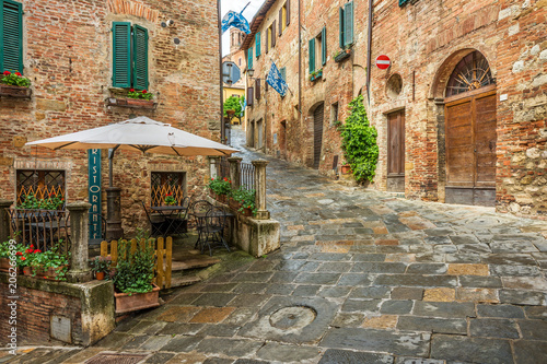 Fototapety, obrazy: Beautiful alley in Montepulciano, Tuscany, Italy