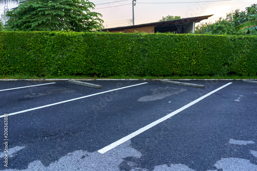 Free outdoor parking lot. Canvas-taulu