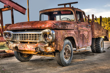 Old Rusty Truck (HDR)