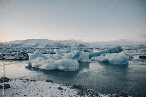 Papiers peints Arctique Frozen lagoon landscape at sunrise