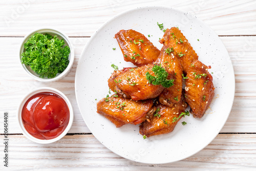 Cuadros en Lienzo barbecue chicken wings with white sesame