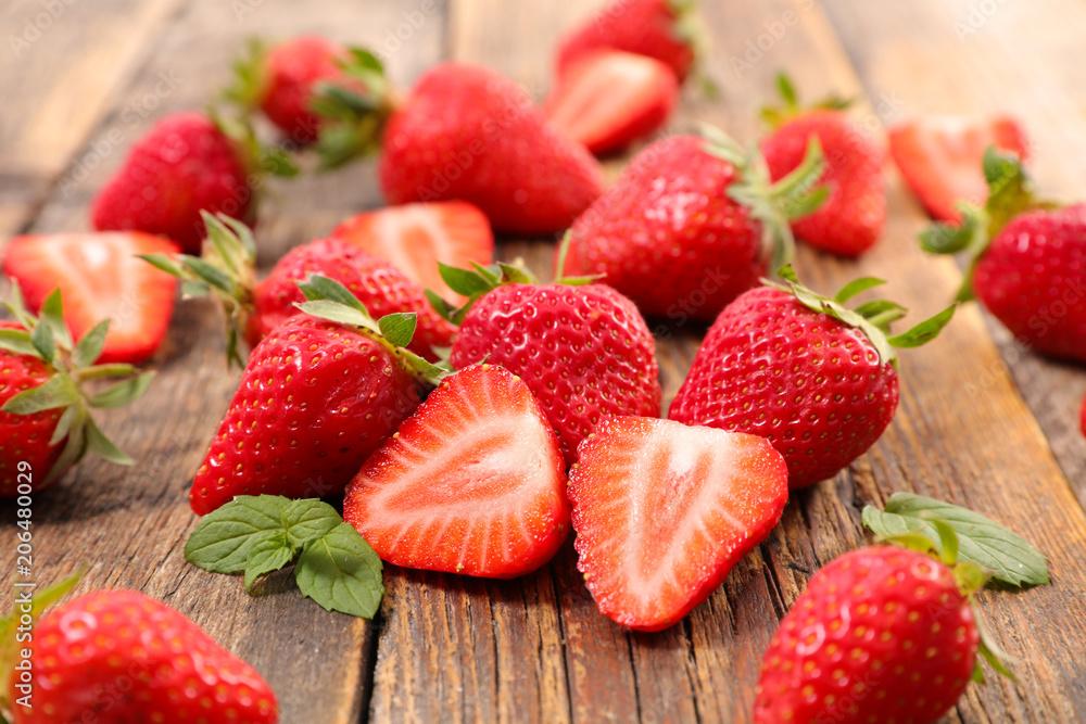 Fototapety, obrazy: heap of strawberry