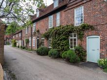 Pretty Street Of Brick Houses ...