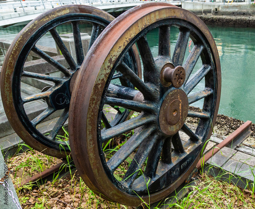 Fotografie, Obraz  Rusty antique wheel.