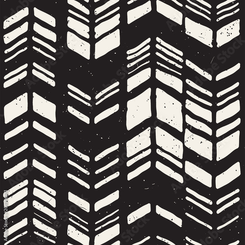 Seamless hand drawn style chevron pattern in black and white Canvas Print