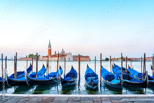 Spoed Foto op Canvas Gondolas Stadt Venedig - Italien - Venezien - Veneto - Urlaub - Reise - Kultur - Europa