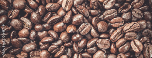 Café en grains Coffee beans fresh roasted food background