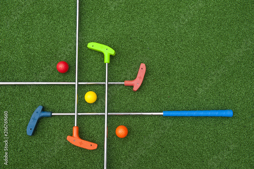 Criss Cross of Mini Golf Clubs