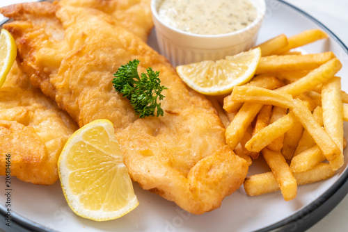 fish and chips with french fries Fototapet