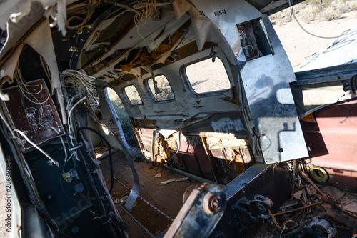 Intérieur d'une épave d'avion dans le désert du Nevada aux Etats Unis Fotobehang