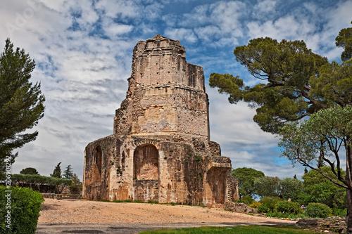 Foto op Aluminium Rome Nimes, France: the ancient Roman Tour Magne