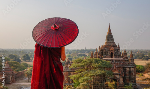 Spoed Foto op Canvas Bedehuis A monk at ancient temple in Bagan, Myanmar