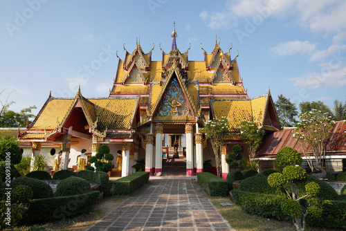 Deurstickers Bedehuis View of Thai Temple Wat Wang Wiwekaram at Sangkhlaburi district, Kanchanaburi province, Thailand