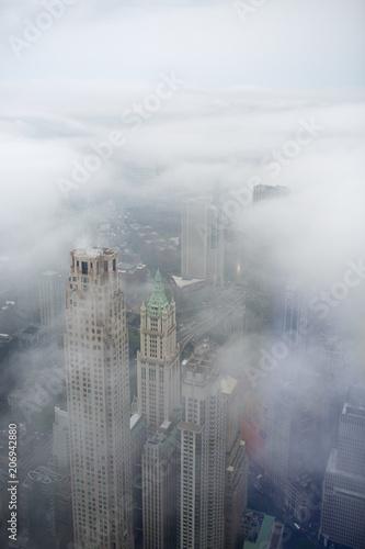 Foto op Plexiglas New York City Grattacieli di Manhattan nella nebbia