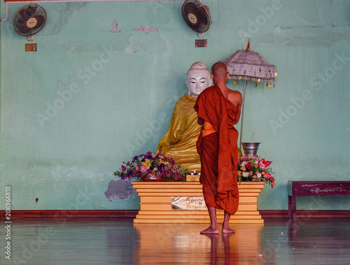 Buddha statue in Shwedagon Pagoda Canvas Print