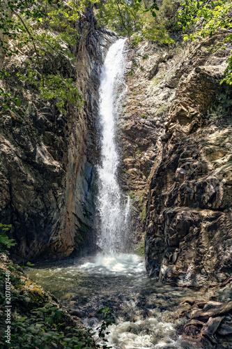 Кипр, горы Тороодос. Водопад Милломерис