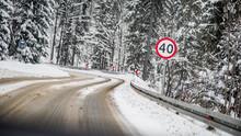 Ograniczenie Prędkości Droga Zima