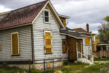 Abandoned Home In Disrepair Wi...