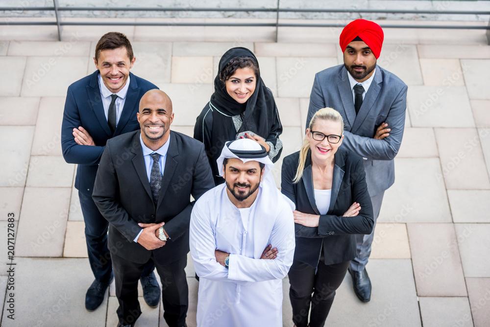 Fototapety, obrazy: Business team in Dubai