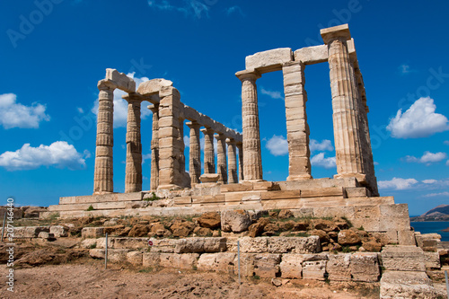 Deurstickers Bedehuis cape sounion and the temple of poseidon