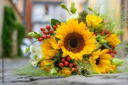 Poster Struisvogel Brautstrauss Sommerblumen Brautstrauß
