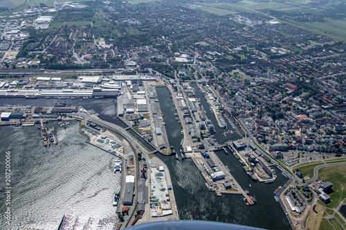 Plakat panorama lotu nad wyspami Morza Północnego i wybrzeża Niemiec