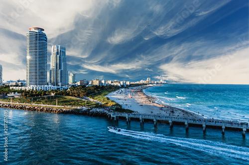 Slika na platnu Miami Beach and Condos