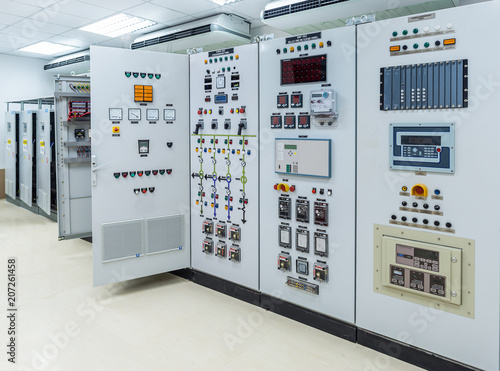 Electrical switchgear,Industrial electrical switch panel at substation of power Fototapet