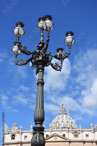 Photo  Rome. Large lamp post in St. Peter's Square.