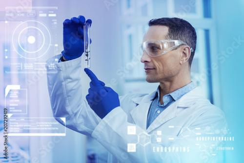 Fotografía  Herb in a test tube