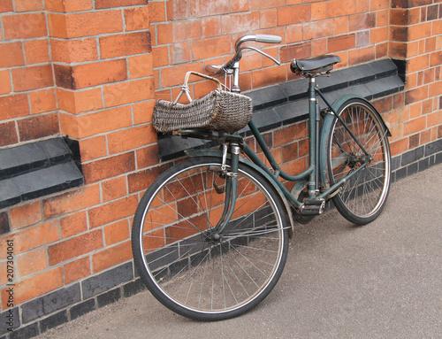Foto op Plexiglas Fiets An Old and Rusty Vintage Ladies Pedal Bicycle.