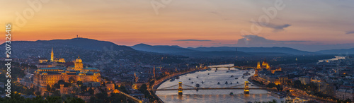 Photo  View to Budapest skyline form Citadella Hill at sunset