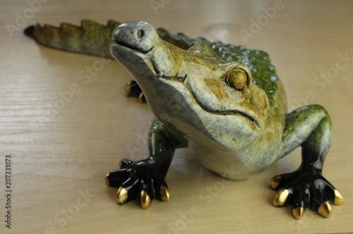 Fotografie, Obraz  Porcelanowa figurka krokodyla