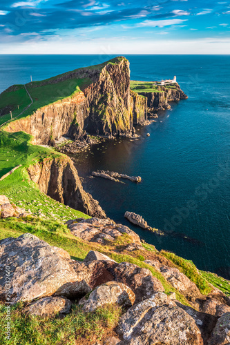 Poster Kust Stunning dusk at the Neist point lighthouse, Scotland