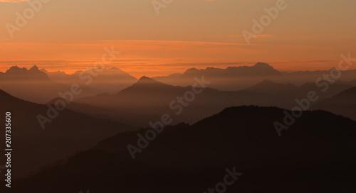 Recess Fitting Sunset Nebel im Tal