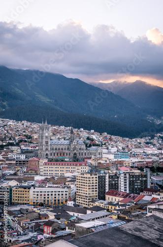 Poster Zuid-Amerika land Coucher de soleil à Quito, Équateur