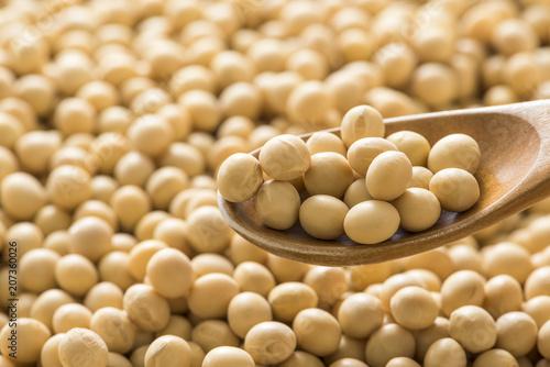 スプーンですくった大豆