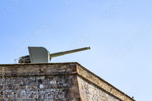 Foto  Canon at fortress of Montjuich. Barcelona, Spain.