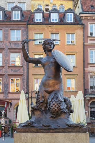 Obraz Pomnik Syrenki w Warszawie, Rynek Starego Miasta - fototapety do salonu