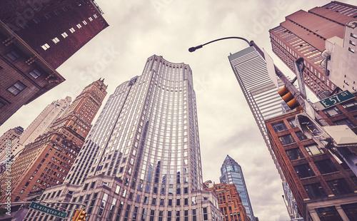 Foto op Plexiglas New York City Retro cinematic style picture of skyscrapers at Lexington Avenue, New York City, USA.