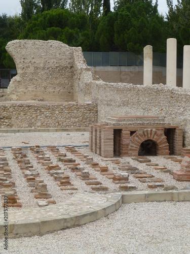 Foto op Plexiglas Oude gebouw Ciudad romana de Complutum, origen de la actual Alcala de Henares (Madrid,España)