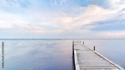 Fotomural Die Ostsee| Küste mit Steg in Dänemark