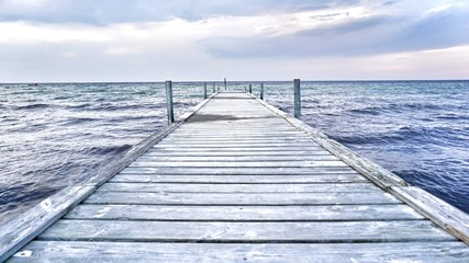 Wybrzeże Morza Bałtyckiego - molo do morza