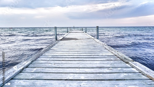 wybrzeze-morza-baltyckiego-molo-do-morza